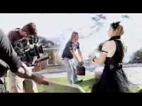 avril lavigne married 2010. Avril Lavigne Making of Canon