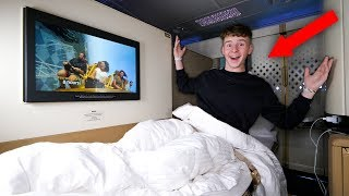Kid Spends The Night on $21,000 FIRST CLASS Airplane Seat