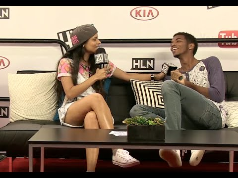 Kingsley & Superwoman (Lilly Singh) Share Drunk Stories & Perform Impressions!