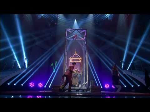 Australia's Got Talent 2011: Cosentino [Underwater Escape Attempt]