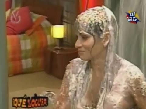 Que Locura - En La Ducha Con Maria Gabriela Paez