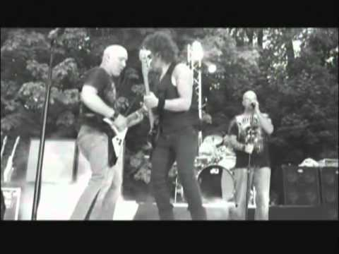 "JFK Band wails on Sweet's ""Ballroom Blitz"" at their Keizer Rapids Park show in August 2010. The JFK Band is.... Bill Hallahan Front Guy, Kelly Lemieux Bass, ..."
