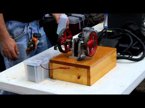 Dayton Hamvention 2011 - Hit and miss engine