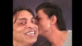 Shoaib Akhtar got a kiss from Shah Rukh Khan