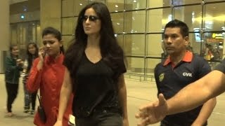 Katrina Kaif gets clicked at Mumbai Airport | Full Video
