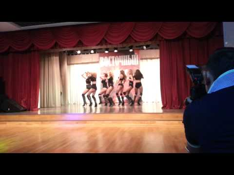 KiSSaS high heels show