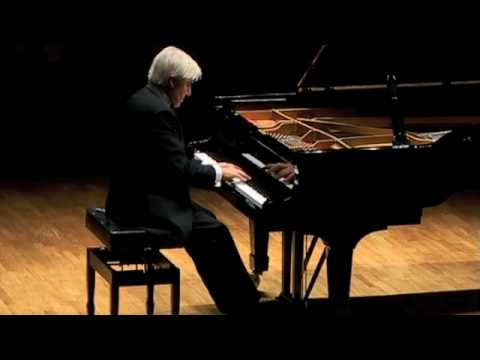 Chopin Nocturne in E-flat Op.9 no.2 - Joaquin Achucarro (bis)