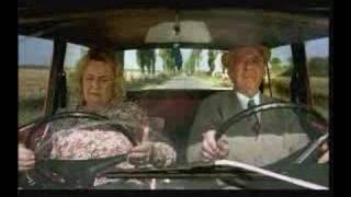 Lustige Oma Im Auto!