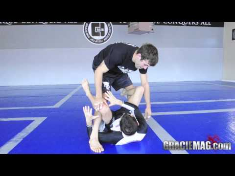 Caio Terra: a sweep from the De La Riva guard Image 1