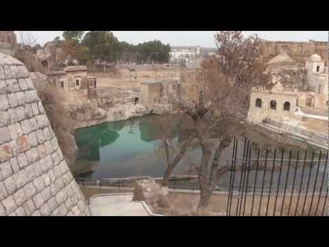 Documentary on 200-300 BC Mandir of Katas Raj 11 Feb 2012 near Kalar Kahar Salt Range Pakistan
