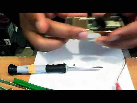 YouTube - samsung J600I disassembling training mobile phone urdu-(www.MyTutorialBook.com)0032.flv