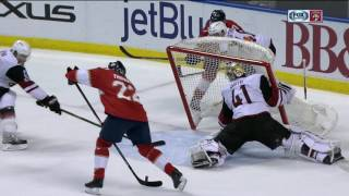 Smith hauls down net to try and stop goal, it counts anyway