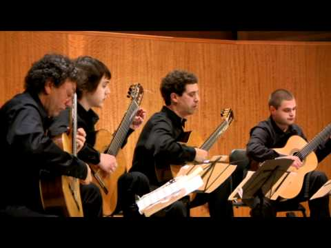 The Pacific Guitar Ensemble plays Y Bolanzero by Terry Riley