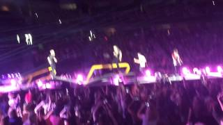 One Direction Singing Stockholm Syndrome OTRA Tour Ottawa 09/9/15