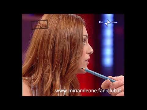 Miriam Leone @ Affari Tuoi (12.12.09)