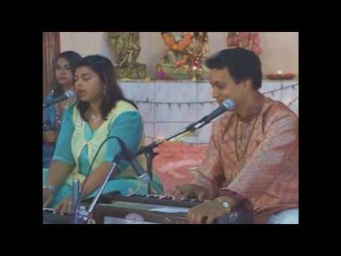 Pundit Munelal Maharaj - Glimpse of DVD - Bhajan Vishwass.