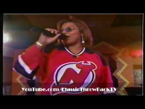 "Queen Latifah - ""Just Another Day"" Live (1994)"