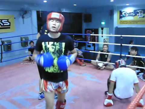 Fightworks Asia | muay thai boxing BJJ MMA gym in Singapore | 10-02-12 sparing 9.m4v