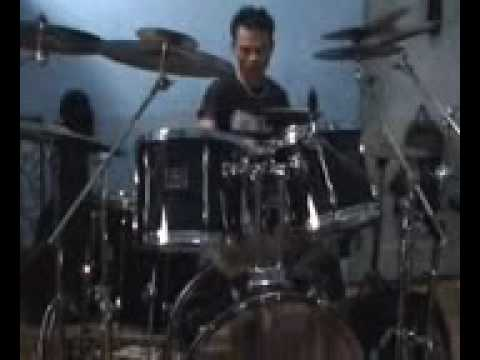 eluyan boy drum solo