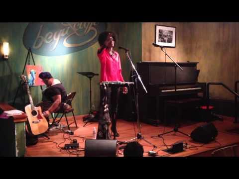 ERYKAH BADU - YE YO (LIVE) LYRICS - SONGLYRICS.com