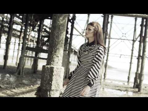 Sophie Ellis-bextor - Young Blood