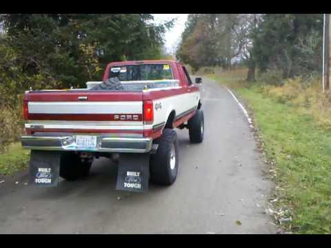Drive by in my straight pipe ford f250 7.3l idi turbo