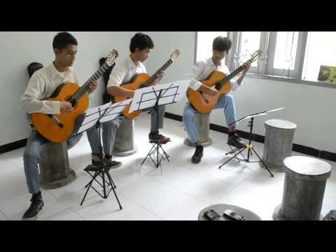 Portofolio SNMPTN 2014 seni musik (Karya Aransemen) Bahtiar Alan Mustaqim - Balon Ku Ada Lima