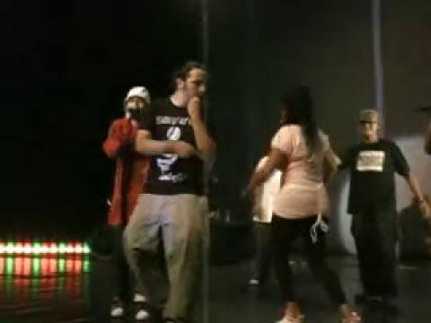 Concierto en vivo de Bacteria Soundsystem crew en teatro Bellas artes Guatemala
