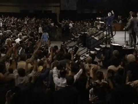 Benny Hinn - Prophecies Given To The Audience