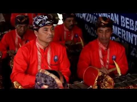 Sekehe Angklung DWI BHINE TUNGGAL - Desa Kayuputih - Tabuh Angklung Part II..
