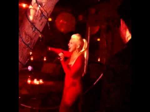 Christina Aguilera singing At Last 2015