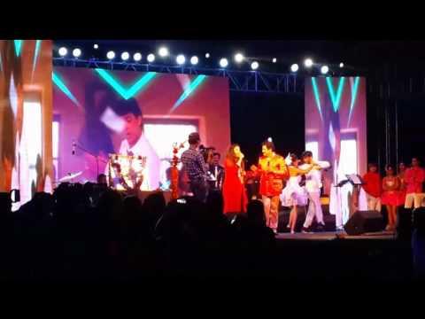Pehla Nasha Pehla Khumar - Sadhana Sargam And Udit Narayan Live Performance In Kanpur