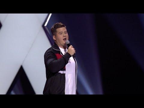 Download Chris Tall - mit Manuel Neuer im Aufzug - 1LIVE Köln Comedy-Nacht XXL 2018 Mp4 baru