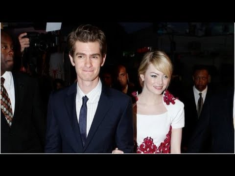 Emma Stone & Andrew Garfield Talk Chemistry, Kissing at Spider-Man Premiere