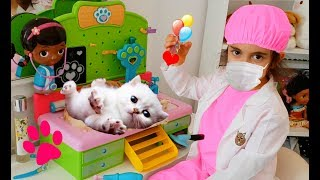 Pretend Play Pet Vet Check Up with Real Kitty | Emily Tube