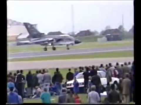 Mildenhall Air Fete 1987 (Including F15 Engine Blow Up & SR71 take Off and Fast Pass)