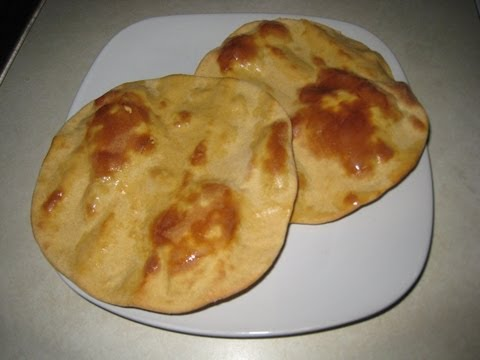 Tandoori roti (Indian flat bread in oven)