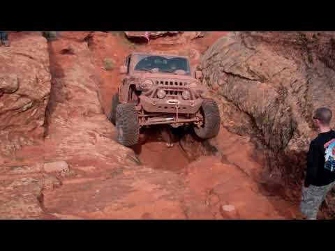 Modified Jeep Wrangler vs Sick Ford Bronco II vs Toyota Tacoma Buggy, Off road Evolution
