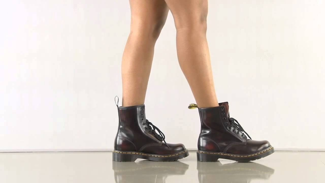 Doc Martens 1460 Cherry Red Arcadia 1460 in Cherry Red Arcadia dr