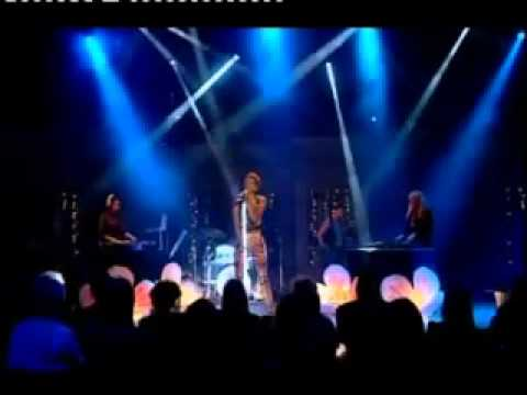 Kelis performs Scream on Alan Titchmarsh Show