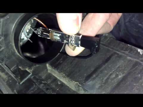 Wymiana żarówki H1 H7 How to Replace Headlight Bulbs SKODA OCTAVIA II FL