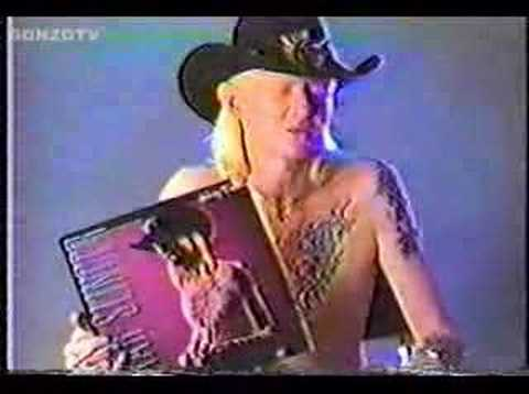 Johnny Winter - Guitar Slinger - Interview
