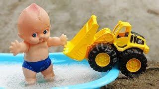 Ô tô tải, xe ủi cùng em bé đi tắm xà phòng - đồ chơi trẻ em B1180C #2