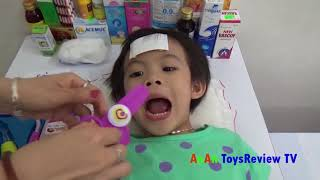 Đồ chơi bác sĩ cho bé Bé tập làm bác sĩ