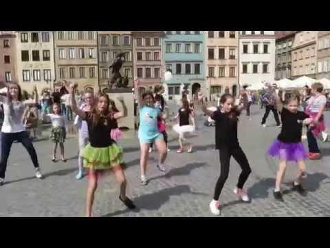 Flash Mob Akademii Młodych Talentów