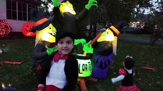 OPENING HUGE TRICK OR TREAT HALLOWEEN CANDY HAUL || RONALD MCDONALD IN THE HOUSE