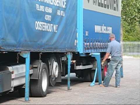 container transport Van Leeuwen