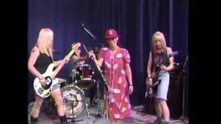 Watch 7 Year Bitch Sink video