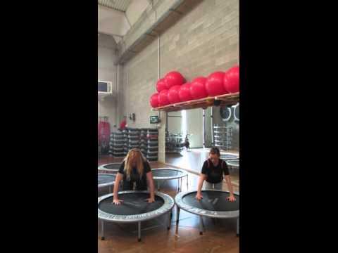 Monya fitness semplici esercizi con il trampolino elastico palestra ALBESE FITNESS CENTER