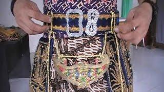 Cara Mengenakan Kostum Tari Jawa Halus - How to Wear Javanese Dance Costume [HD]